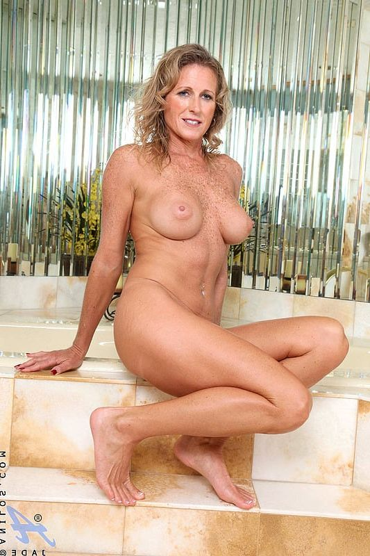 images of hot nude old ladies